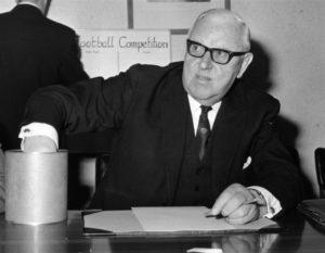 Стэнли Роуз-бывший судья и президент ФИФА