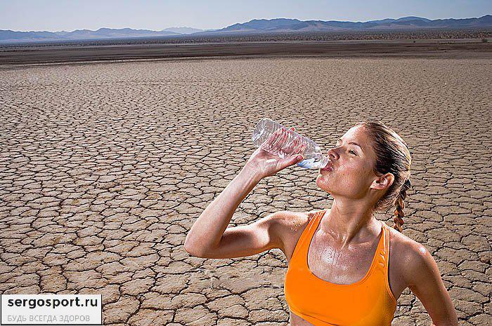 пить больше воды на тренировке