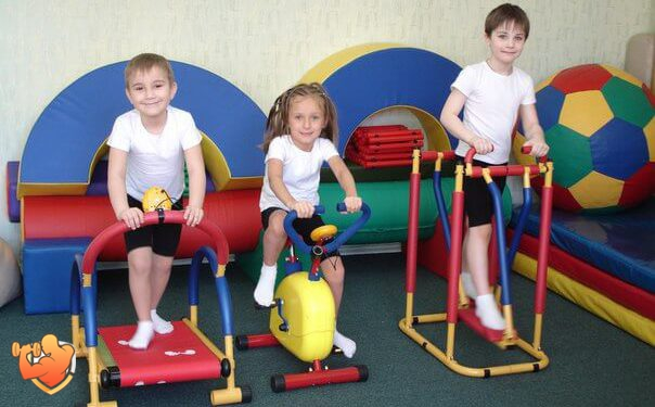 foto detskich sportivnyh trenazerov
